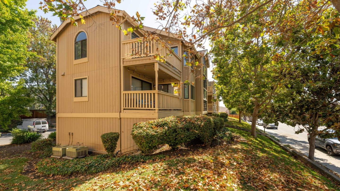 Detail Gallery Image 1 of 1 For 16816 Sorrel Way, Morgan Hill,  CA 95037 - 3 Beds   2 Baths