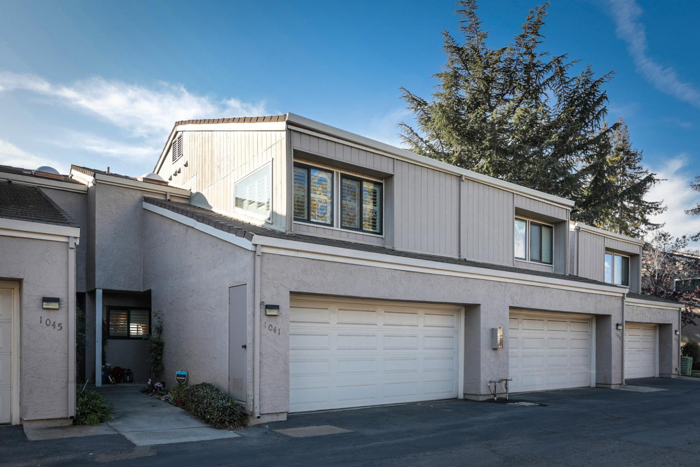 Detail Gallery Image 1 of 28 For 1041 Villa Maria Ct, San Jose,  CA 95125 - 3 Beds | 2/1 Baths