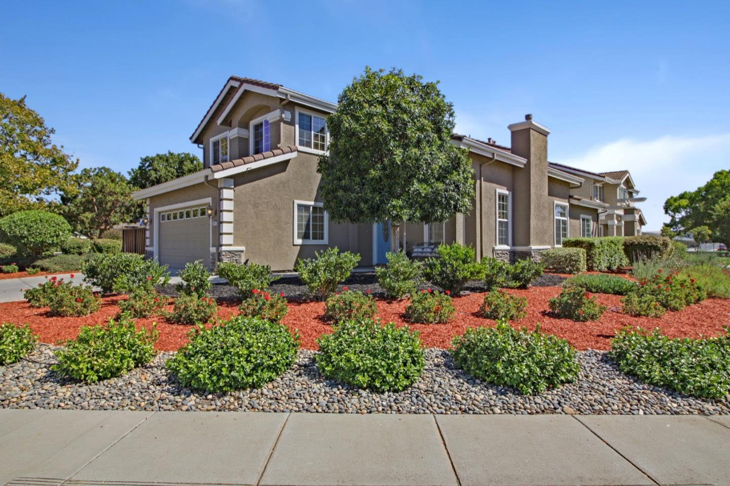 Detail Gallery Image 1 of 45 For 820 San Vicente Ct, Morgan Hill,  CA 95037 - 5 Beds   3/1 Baths