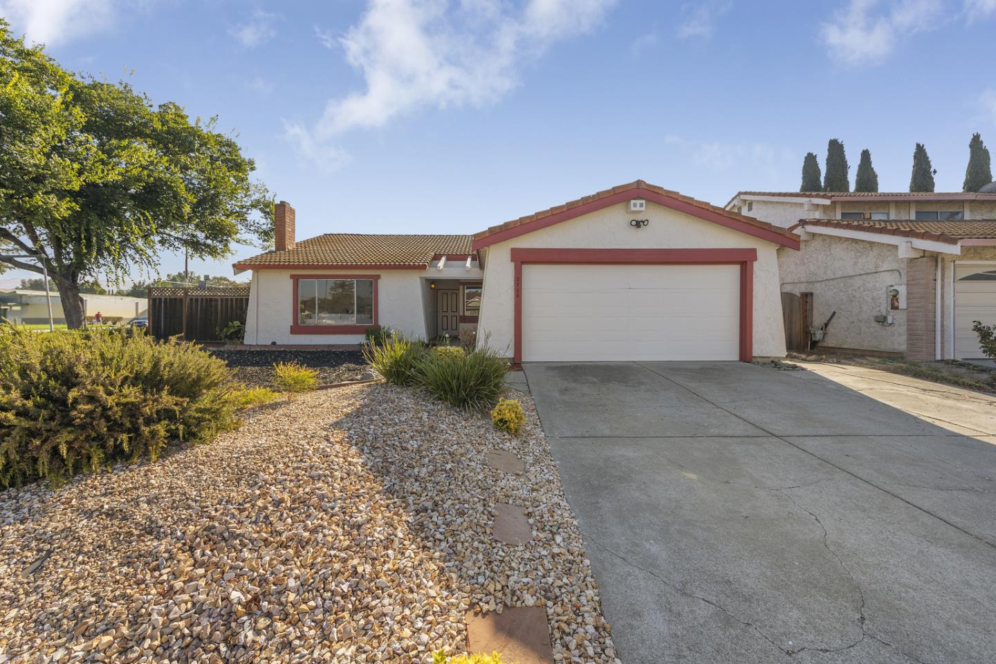 Detail Gallery Image 1 of 23 For 3758 Nash Ct, San Jose,  CA 95111 - 3 Beds   2 Baths