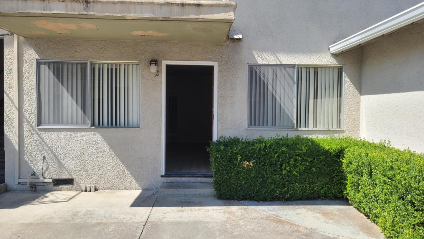 Detail Gallery Image 1 of 10 For 1526 Stokes St, San Jose,  CA 95126 - 1 Beds   1 Baths
