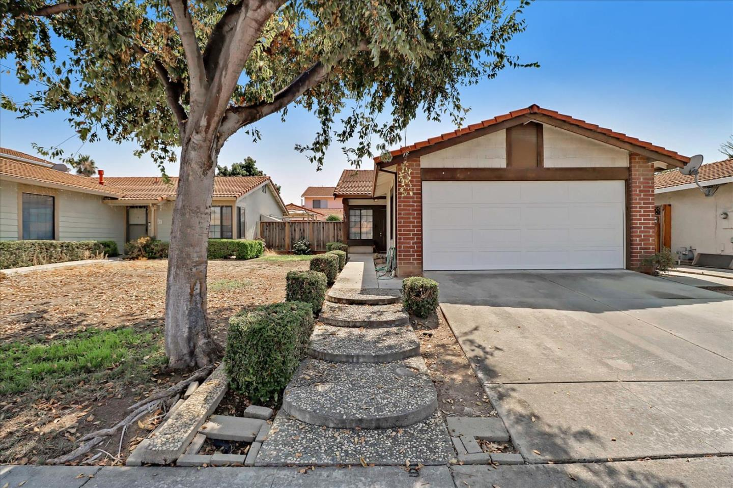 Detail Gallery Image 1 of 23 For 2878 Bouveron Ct, San Jose,  CA 95148 - 3 Beds   1 Baths