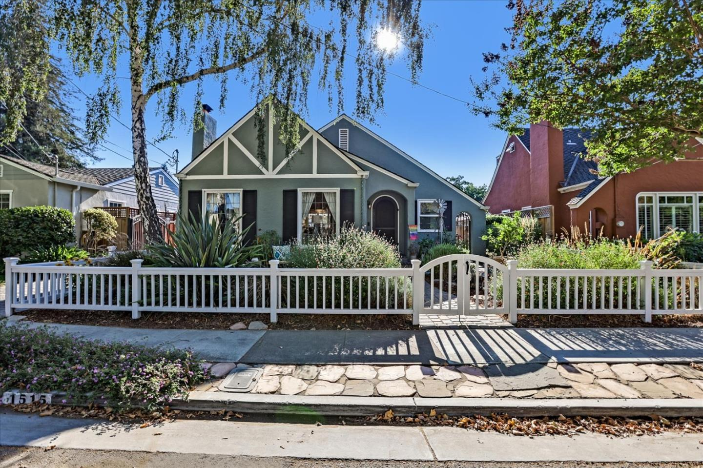 Detail Gallery Image 1 of 1 For 1515 Iris Ct, San Jose,  CA 95125 - 2 Beds   2 Baths