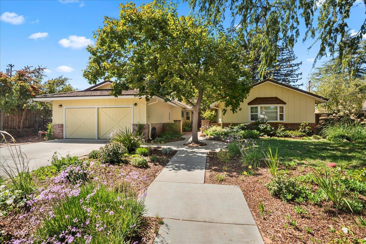 Detail Gallery Image 1 of 1 For 500 Patrick Way, Los Altos,  CA 94022 - 5 Beds   2/1 Baths