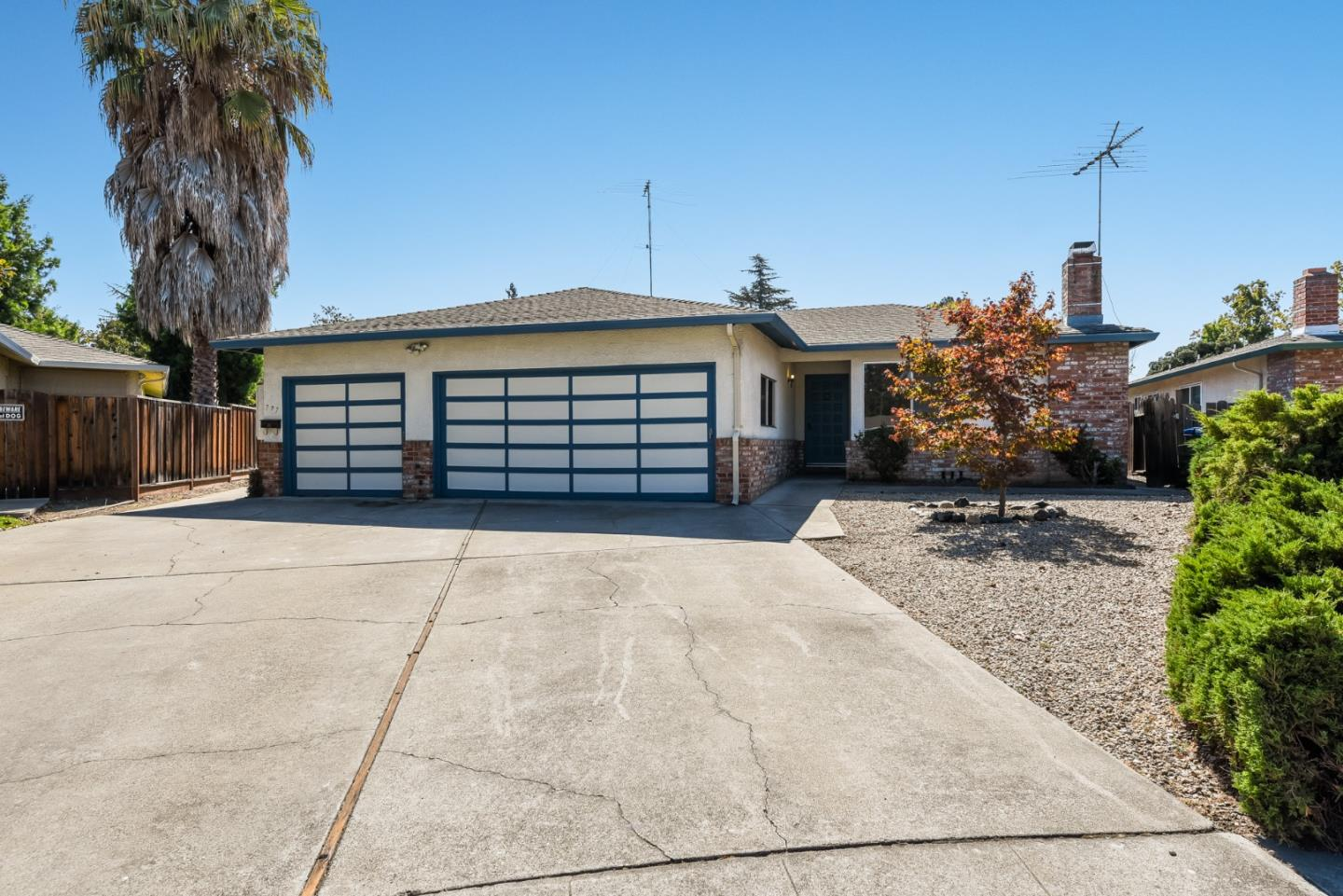 Detail Gallery Image 1 of 39 For 775-777 Luce Ct, Mountain View,  CA 94041 - – Beds   – Baths