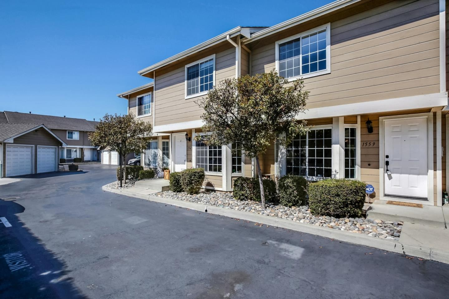 Detail Gallery Image 1 of 21 For 1559 Sandra Kay Ct, San Jose,  CA 95126 - 2 Beds | 2/1 Baths