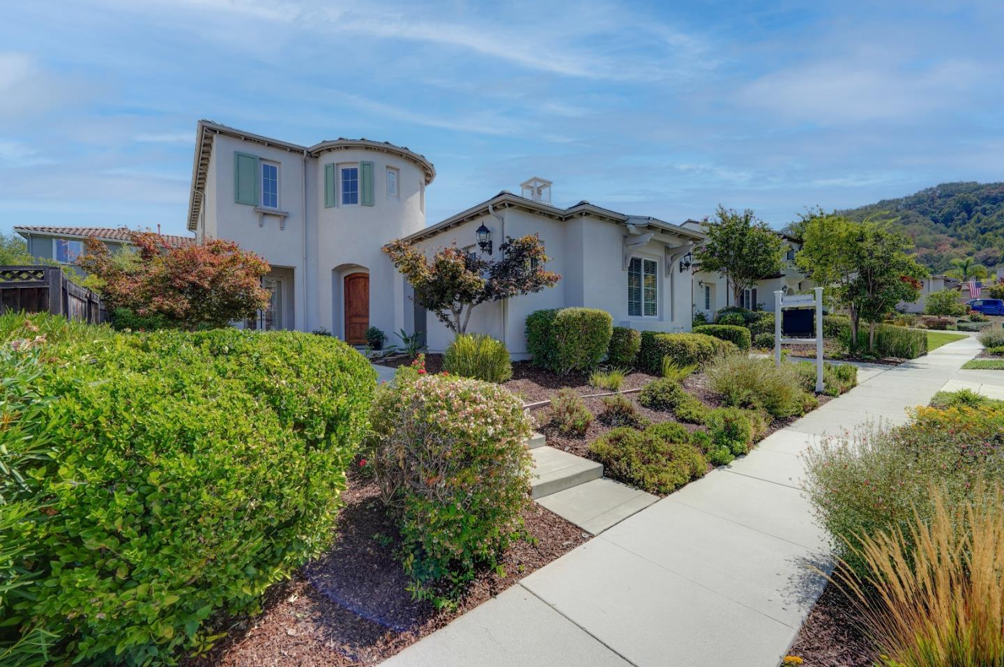 Detail Gallery Image 1 of 1 For 2645 Muirfield Way, Gilroy,  CA 95020 - 5 Beds   4/1 Baths