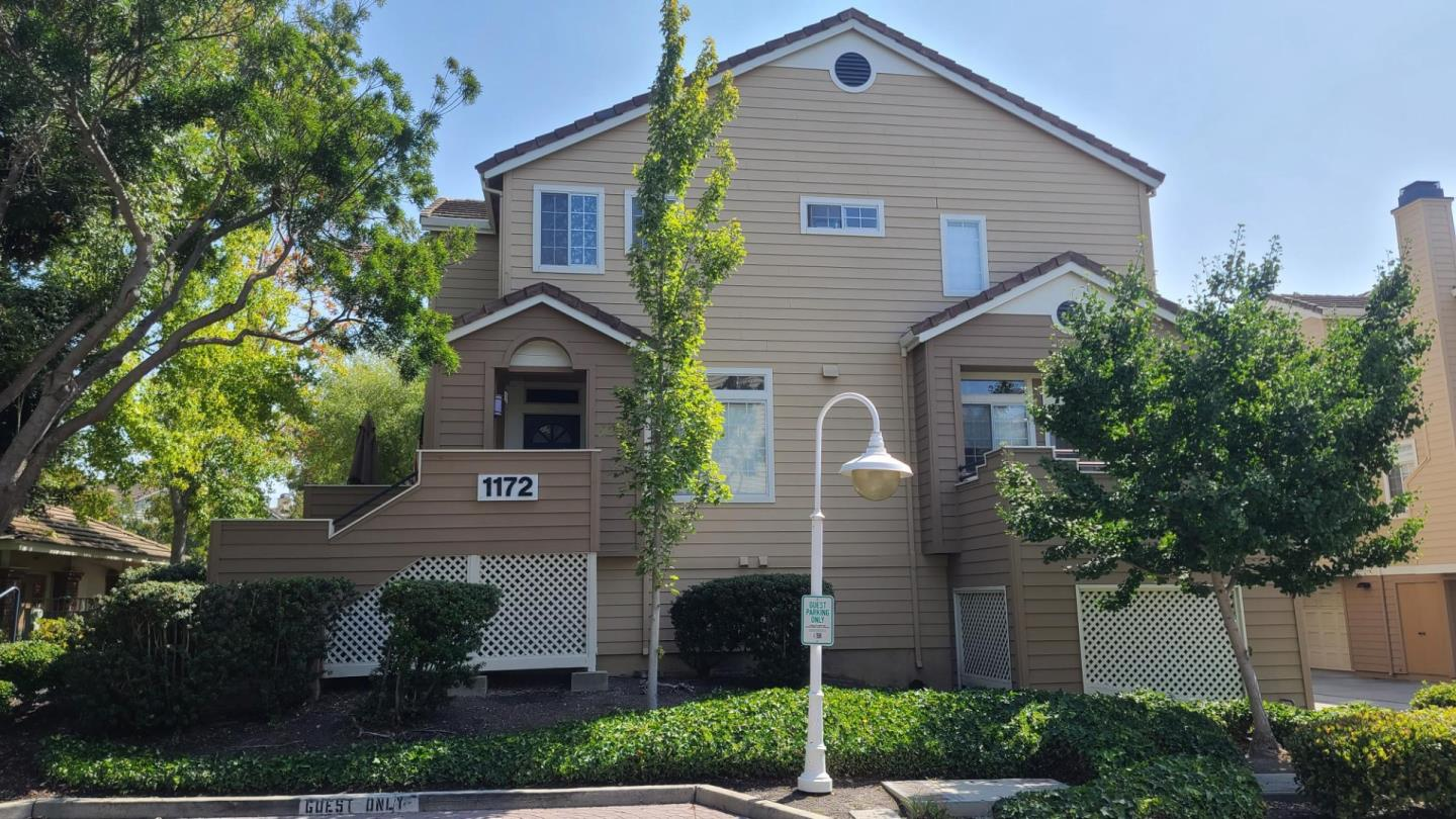Detail Gallery Image 1 of 1 For 1172 La Rochelle Ter #B,  Sunnyvale,  CA 94089 - 3 Beds   2/1 Baths