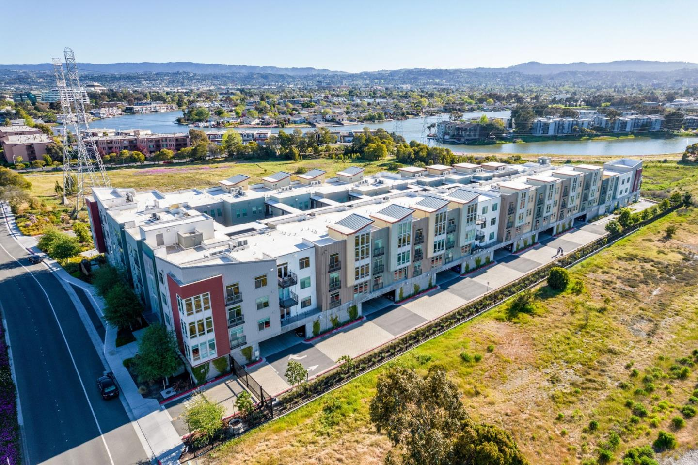 Detail Gallery Image 1 of 19 For 400 Mariners Island Blvd #114,  San Mateo,  CA 94404 - 2 Beds | 2 Baths