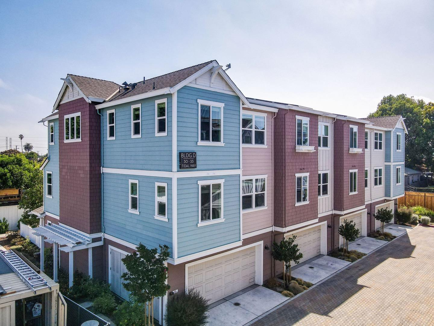 Detail Gallery Image 1 of 54 For 33 Tidal Way, San Mateo,  CA 94401 - 4 Beds   3 Baths