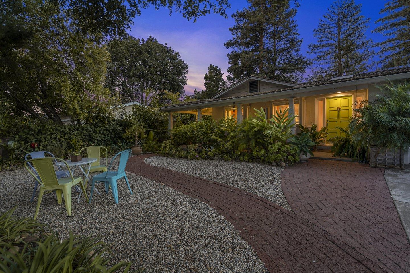 Detail Gallery Image 1 of 46 For 548 Shirlynn Ct, Los Altos,  CA 94022 - 3 Beds | 2 Baths