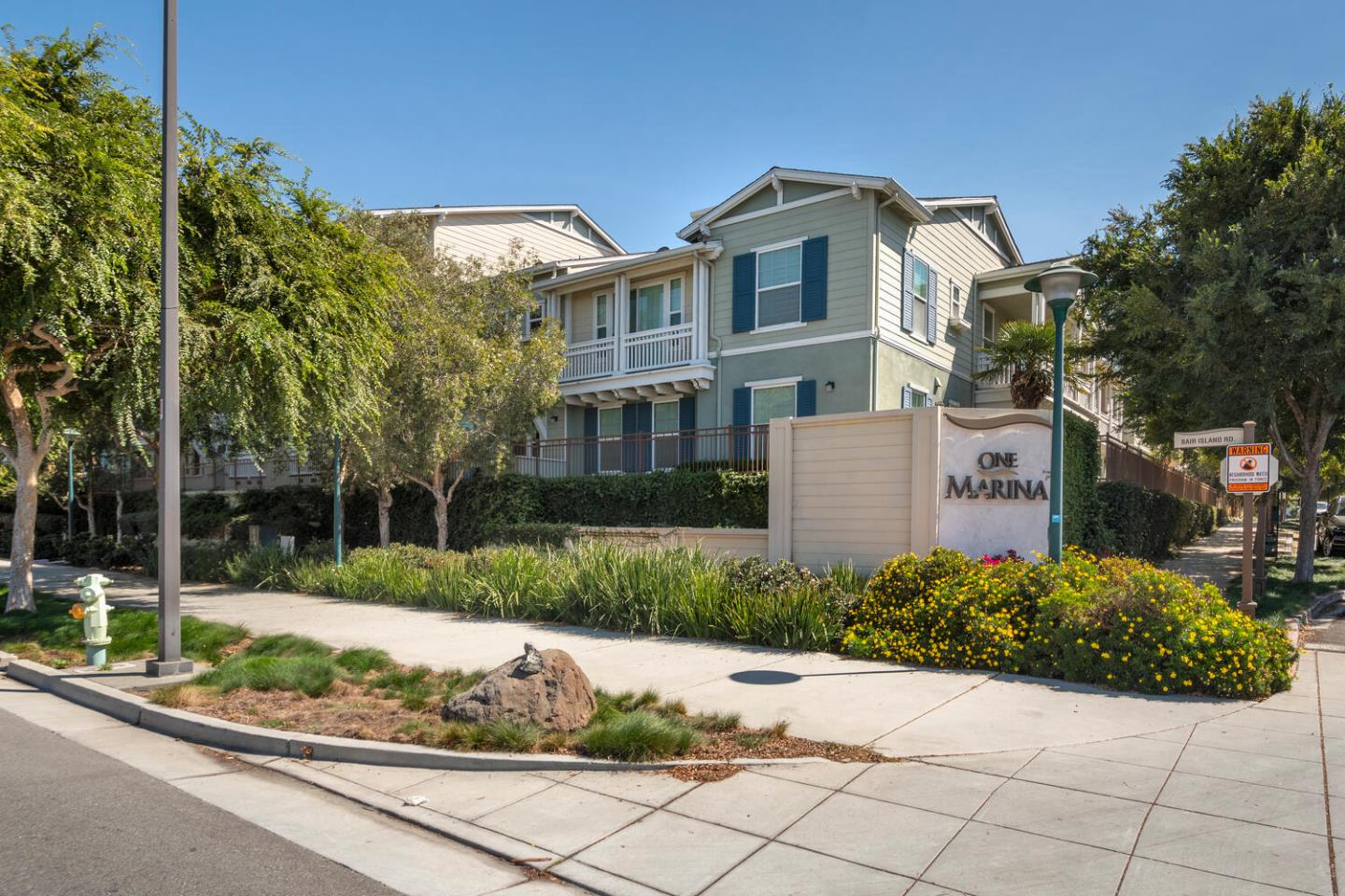 THIS DISTINCTIVE TWO-STORY CONDO IN THE ONE MARINA DEVELOPMENT IS LOCATED NEAR THE HEART OF THE BAY TRAIL AND THE TRANQUILITY OF THE WATER. FEATURING 1,497 SQ. FT., THIS 3 BEDROOM / 2.5 BATH HOME FEELS EVEN LARGER THAN IT IS THANKS IN PART TO ITS SOARING CEILINGS. THE OPEN FLOOR PLAN ON THE MAIN LEVEL IS AN ENTERTAINERS DREAM, HIGHLIGHTED BY BUILT-INS AND A SPACIOUS KITCHEN BOASTING STAINLESS STEEL APPLIANCES AND GRANITE COUNTERTOPS. THE SECOND FLOOR IS FLOODED WITH NATURAL LIGHT AND FEATURES A SEPARATE STUDY NOOK, PERFECT FOR A FLEXIBLE WORK-FROM-HOME EMPLOYEE. GENEROUS SIZED BEDROOMS, BEAUTIFULLY APPOINTED BATHROOMS, AN UPSTAIRS LAUNDRY ROOM, TONS OF CLOSET AND STORAGE SPACE, NEW CARPETS AND NEUTRAL PAINT WILL DELIGHT YOUR BUYER! WITH A LARGE 2-CAR GARAGE, A FRONT PORCH, EASY ACCESS TO WALKING TRAILS AND THE 101, LIVING AND RELAXING IN THIS COMMUNITY EFFORTLESS.