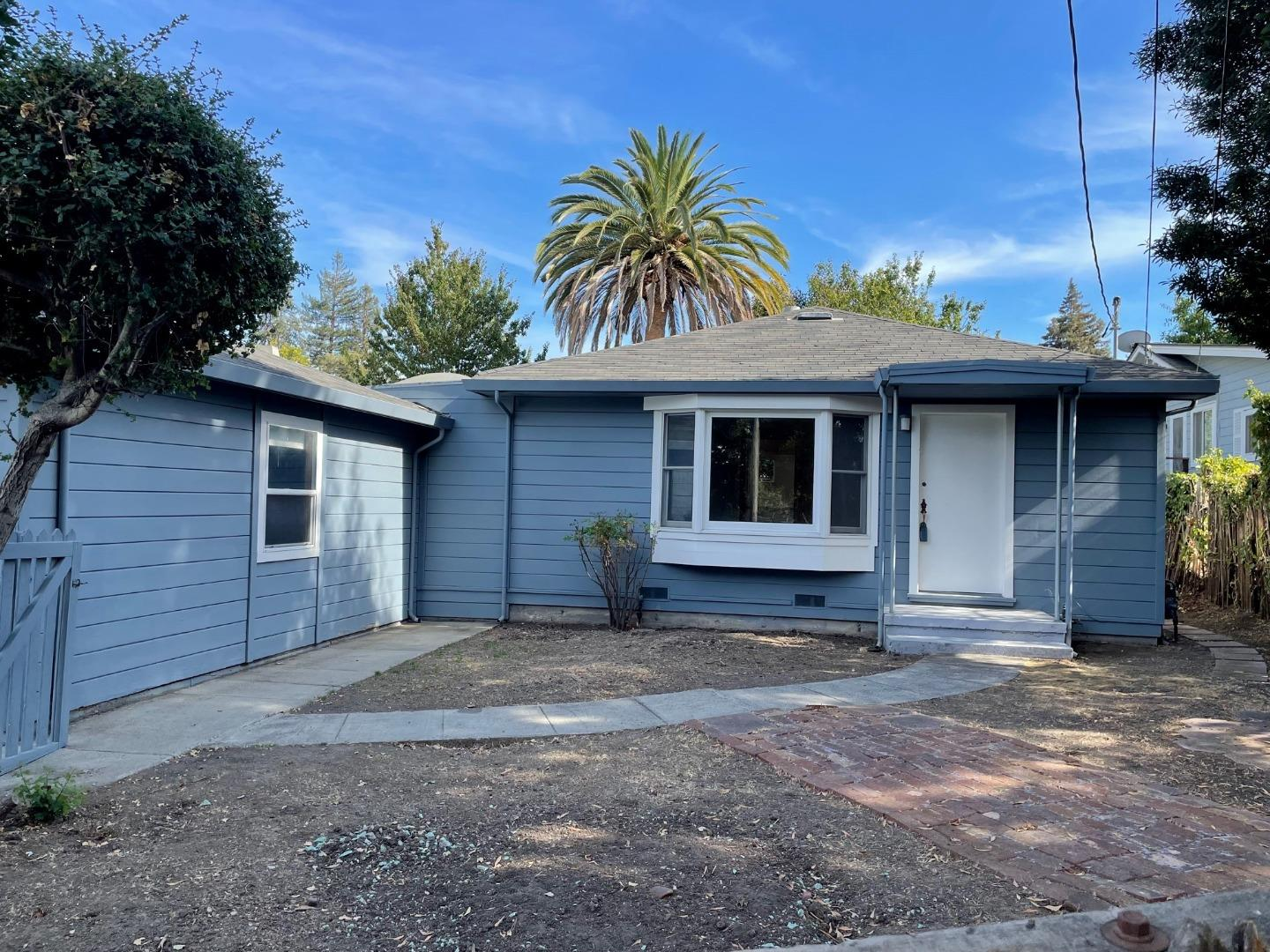 OPEN SUNDAY 2TO4  OCTOBER 10, 2021. DIAMOND IN THE ROUGH! POTENTIAL GALORE TO RENOVATE OR REBUILD THIS CHARMING 2 BEDROOM WITH A DEN/OFFICE / 1 BATHROOM HOME SITUATED ON A LEVEL 6,600 SQ. FT. LOT TUCKED ALONG A QUIET CUL-DE-SAC STREET. FEATURING LOTS OF NATURAL LIGHT, AMPLE CLOSET SPACE, HARDWOOD FLOORS AND A 2 CAR GARAGE, THE BACKYARD IS HIGHLIGHTED BY A MATURE PALM TREE. A SHED AT THE REAR OF THE PROPERTY OFFERS LOTS OF EXTRA STORAGE SPACE AND A CONVERTED PORCH OFF THE DINING AREA PROVIDES ADDITIONAL ACCESS TO THE YARD, MAKING ENTERTAINING A BREEZE. CONVENIENTLY LOCATED CLOSE TO 280, WOODSIDE RD., THE ALAMEDA, SHOPS & RESTAURANTS AND JUST STEPS FROM ATHERTON! BRING YOUR IDEAS AND/OR YOUR PLANS, THIS OPPORTUNITY WONT LAST LONG!