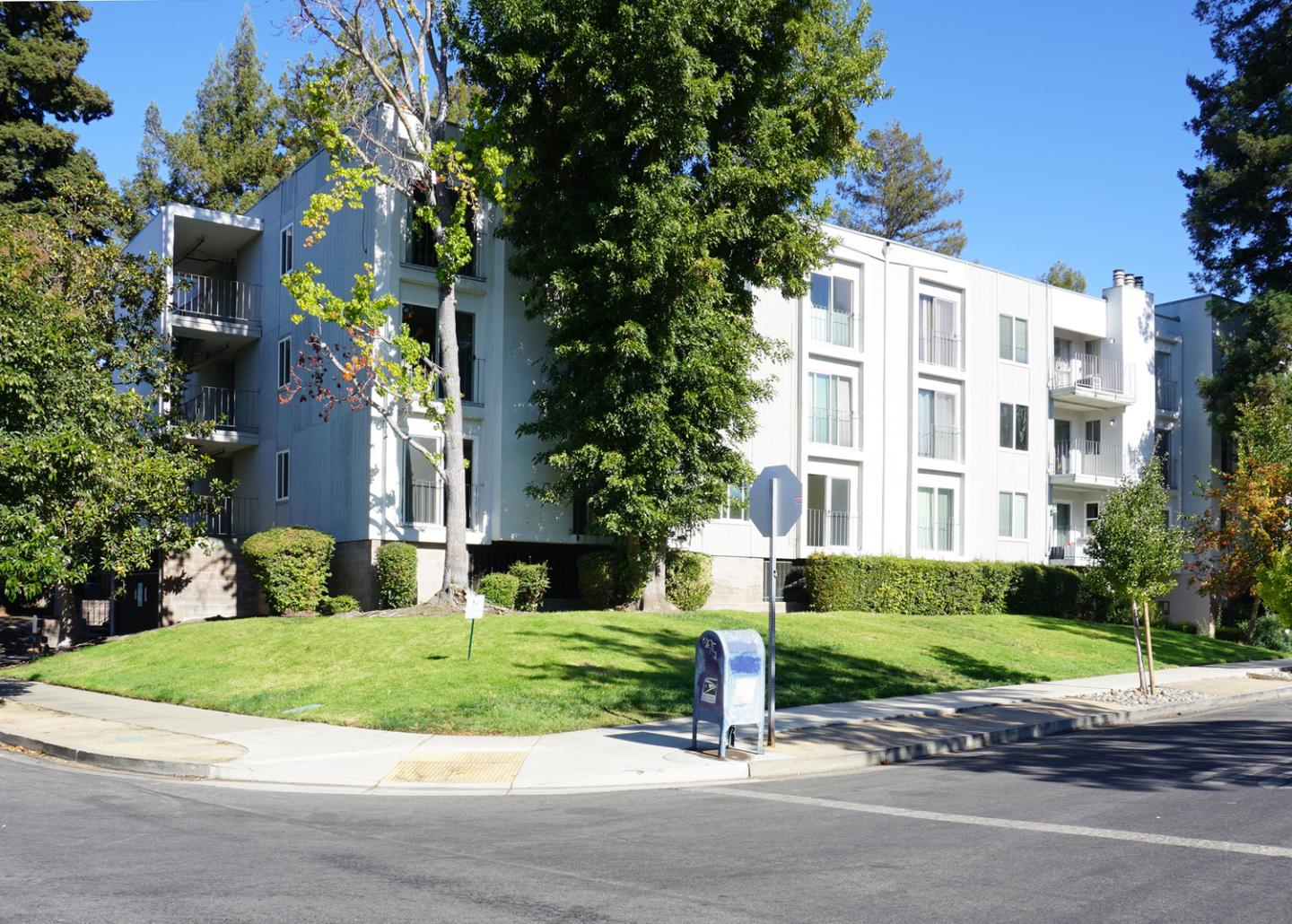 Westside Redwood City condo on a lovely picturesque tree-lined street close to El Camino, Freeways, Transportation, Shopping and more.  First floor unit with an assigned parking space next to lobby entrance where you can take the stairs or newly remodeled elevator to your first floor unit just steps away.  Fully equipped kitchen with double ovens, stainless steel refrigerator, dishwasher and microwave and breakfast bar.  Spacious open living room/dining room with cozy gas fireplace. Stacking Washer/Dryer inside unit. Master Suite is very spacious with walk-in closet and built-in linen closet. Swimming Pool recently upgraded for fun in the sun!