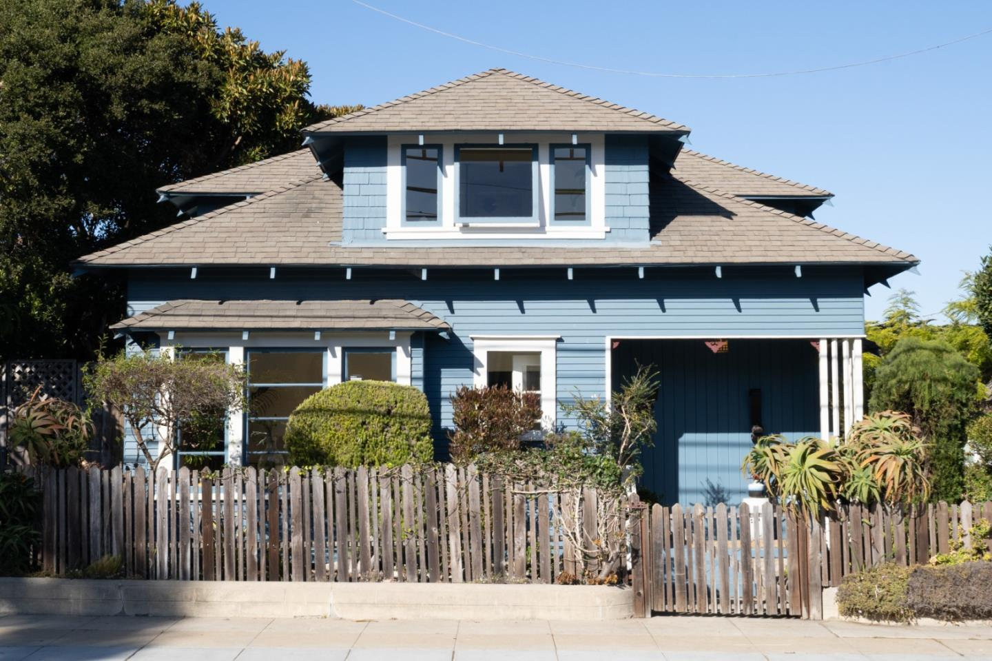 402 Central AVE, PACIFIC GROVE, CA 93950