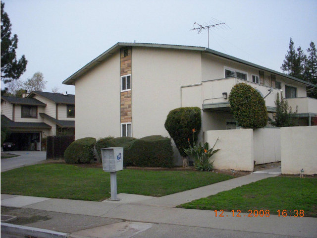 6e436efd5e 10218 Park Circle East #2, Cupertino, CA 95014 Cupertino CA $1,795 ...